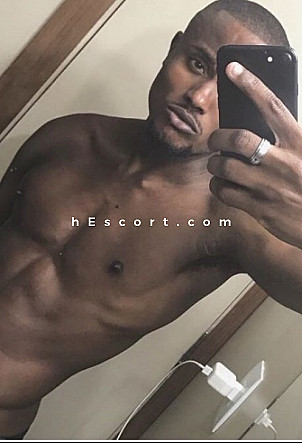 Jonathan - Male escort in Barcelona