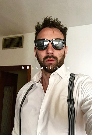 Santiago - Male escort in Sevilla